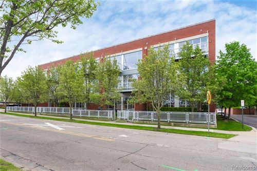 Photo of 322 E HARRISON Avenue #7, Royal Oak, MI 48067 (MLS # 2210039659)