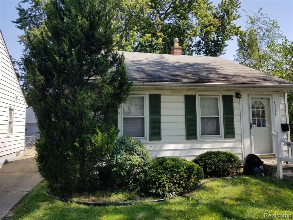 18761 KINGSVILLE Street, Harper Woods, MI 48225 - MLS#: 2210087676