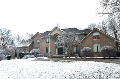 Photo of 4540 VALLEY VIEW Point, Oakland Township, MI 48306 (MLS # 2210003677)