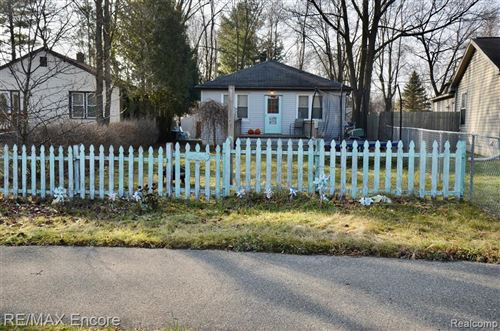 Tiny photo for 4741 SASHABAW Road, Independence Township, MI 48346 (MLS # 2200099678)