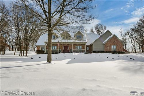 Photo of 10121 WINDY KNOLL Court, Independence Township, MI 48348 (MLS # 2200005684)