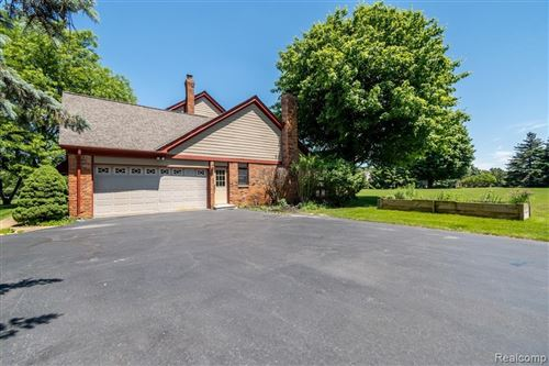 Tiny photo for 801 HEATHER LAKE Drive, Orion Township, MI 48348 (MLS # 2200005690)