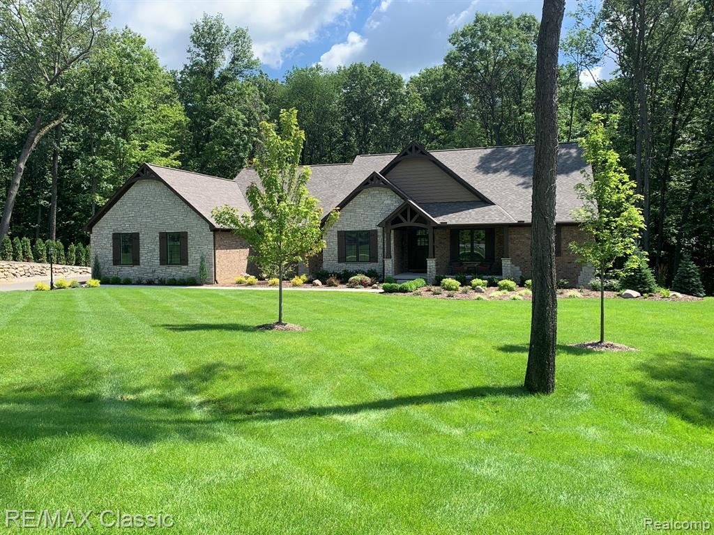 Photo for 7123 Oak Ridge Court, Independence Township, MI 48346 (MLS # 2210013697)
