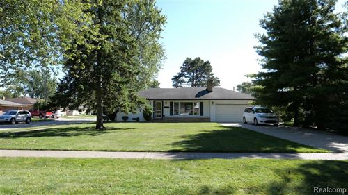 Photo of 21630 GROSSEDALE ST, St. Clair Shores, MI 48082 (MLS # 2200077705)