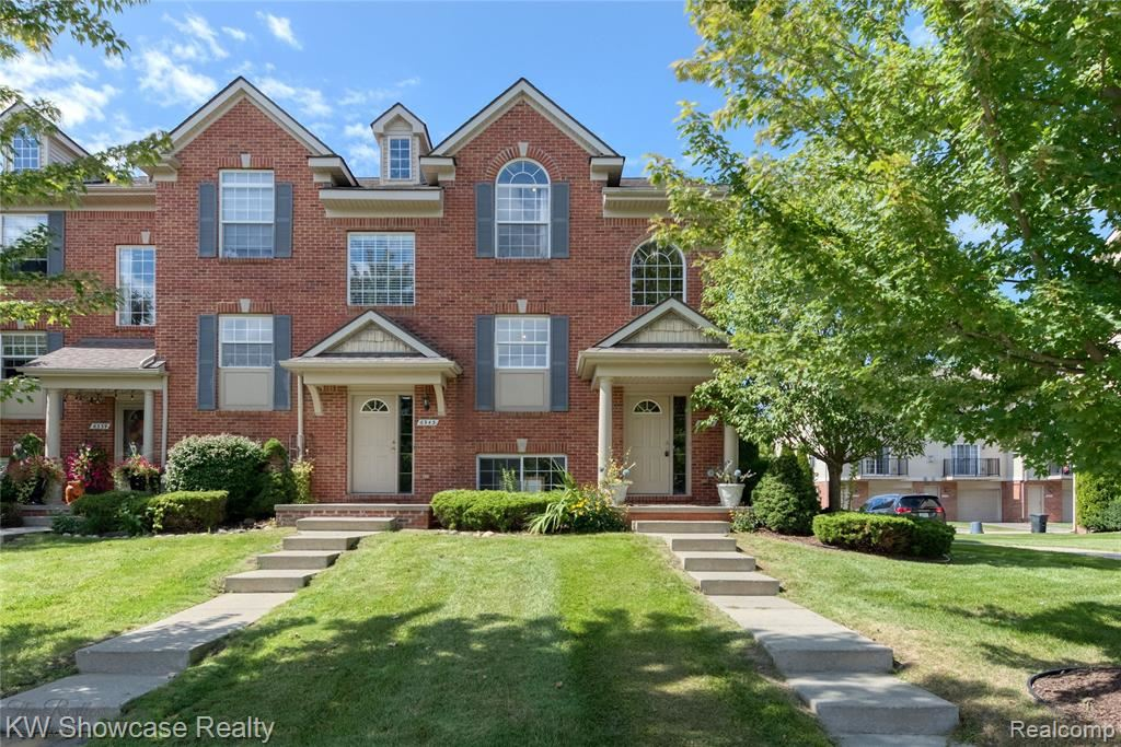 Photo for 6347 WALDON CENTER Drive #13, Independence Township, MI 48346 (MLS # 2210076716)