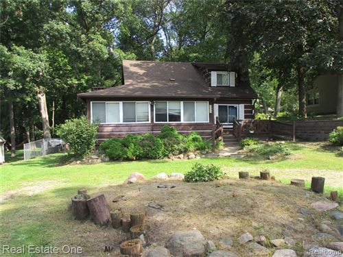Photo of 4626 EDGEWOOD Drive, Independence Township, MI 48346 (MLS # 2210078720)