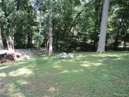 Tiny photo for 4626 EDGEWOOD Drive, Independence Township, MI 48346 (MLS # 2210078720)