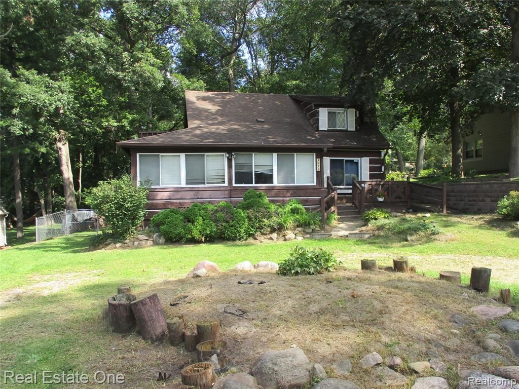 Photo for 4626 EDGEWOOD Drive, Independence Township, MI 48346 (MLS # 2210078720)