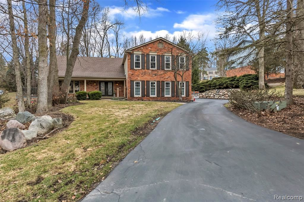 Photo for 8355 Fawn Valley Drive, Independence Township, MI 48348 (MLS # 2200022722)