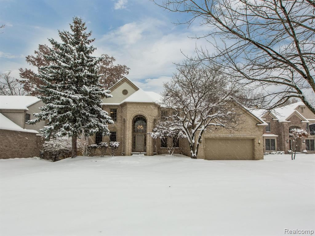 5019 Cherry Blossom Circle, West Bloomfield, MI 48324 - #: 2200030732