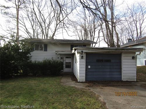 Photo of 9879 DIXIE HWY, Springfield Township, MI 48348 (MLS # 2210003741)
