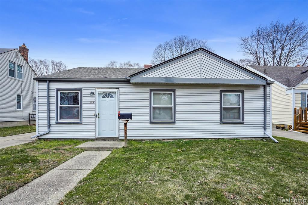 Photo of 104 Canfield Drive, Mount Clemens, MI 48043 (MLS # 2210017741)