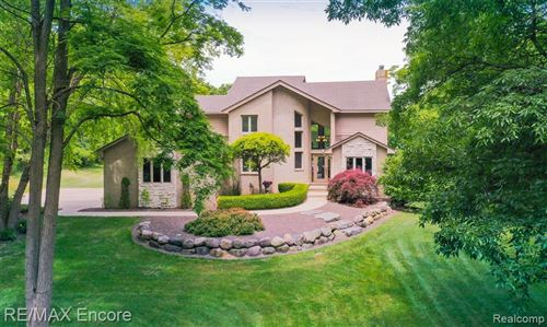Photo of 4690 CLEARVIEW Drive, Independence Township, MI 48348 (MLS # 2200048746)