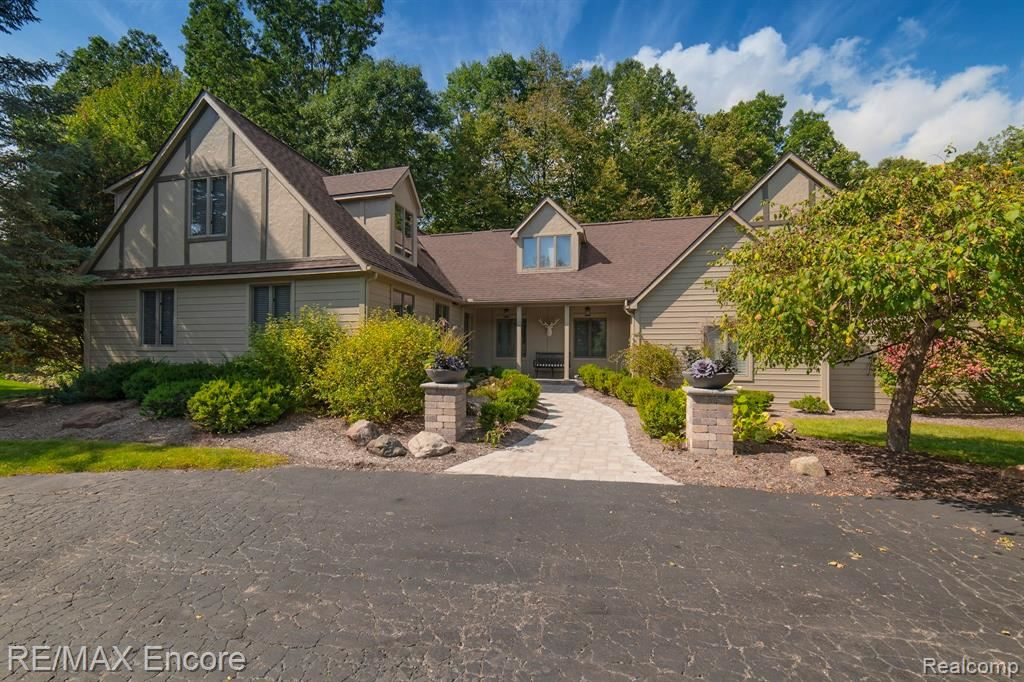 Photo for 7285 DARK LAKE Drive, Independence Township, MI 48346 (MLS # 219097747)
