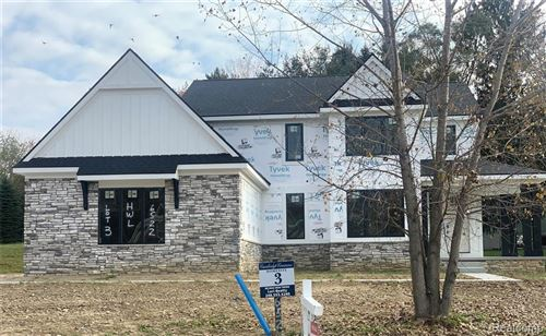 Photo of 6522 CAMBRIDGE Circle, Independence Township, MI 48346 (MLS # 2210032755)