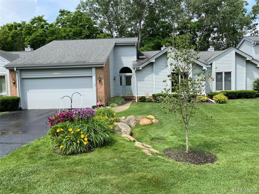 Photo for 6735 RIDGEVIEW Drive #47, Independence Township, MI 48346 (MLS # 2210051757)