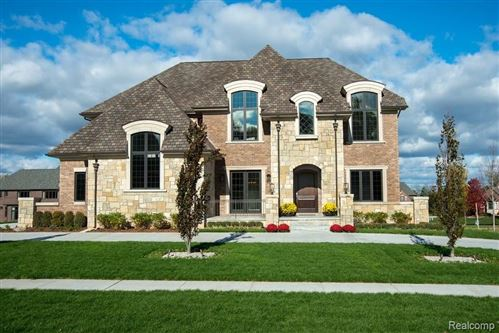 Photo of 3574 PICCADILLY Drive, Rochester Hills, MI 48309 (MLS # 2210079758)