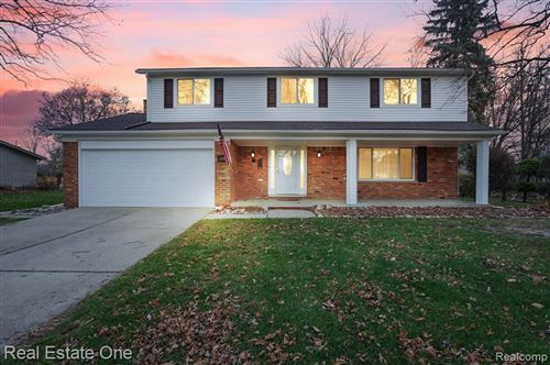 Photo of 3139 Bloomcrest Drive, Shelby Township, MI 48316 (MLS # 2200095767)