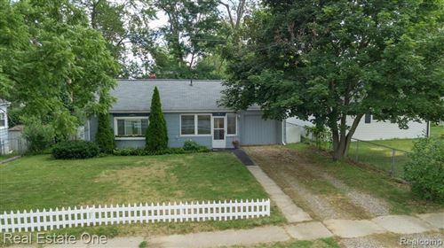 Photo of 54 N Axford Street, Lake Orion Village, MI 48362 (MLS # 2200054769)