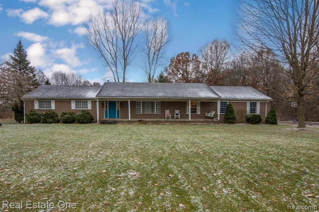 Photo for 7701 Clement Road, Independence Township, MI 48346 (MLS # 219119769)