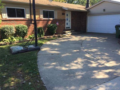 Photo of 51220 FAIRLANE Drive, Shelby Township, MI 48316 (MLS # 2210078773)
