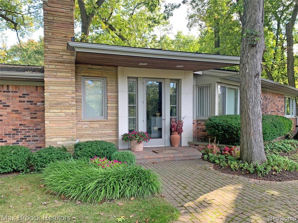 1930 Hillwood Drive, Bloomfield Hills, MI 48304 - #: 2210002775