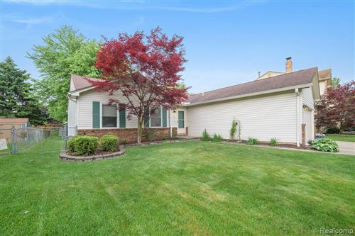 Photo of 12739 BERESFORD Drive, Sterling Heights, MI 48313 (MLS # 2200037780)