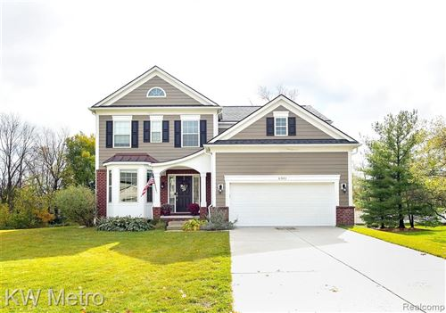 Photo of 6341 GOLF VIEW Drive, Independence Township, MI 48346 (MLS # 2200087783)