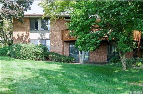 Tiny photo for 4066 AUGUSTA Court, Bloomfield Township, MI 48302 (MLS # 2200003793)