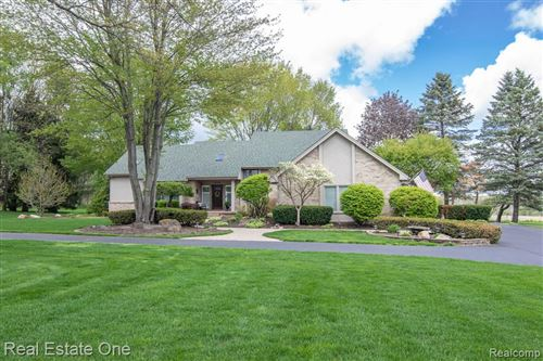 Photo of 4322 KLAIS Drive, Orion Township, MI 48348 (MLS # 2210033802)
