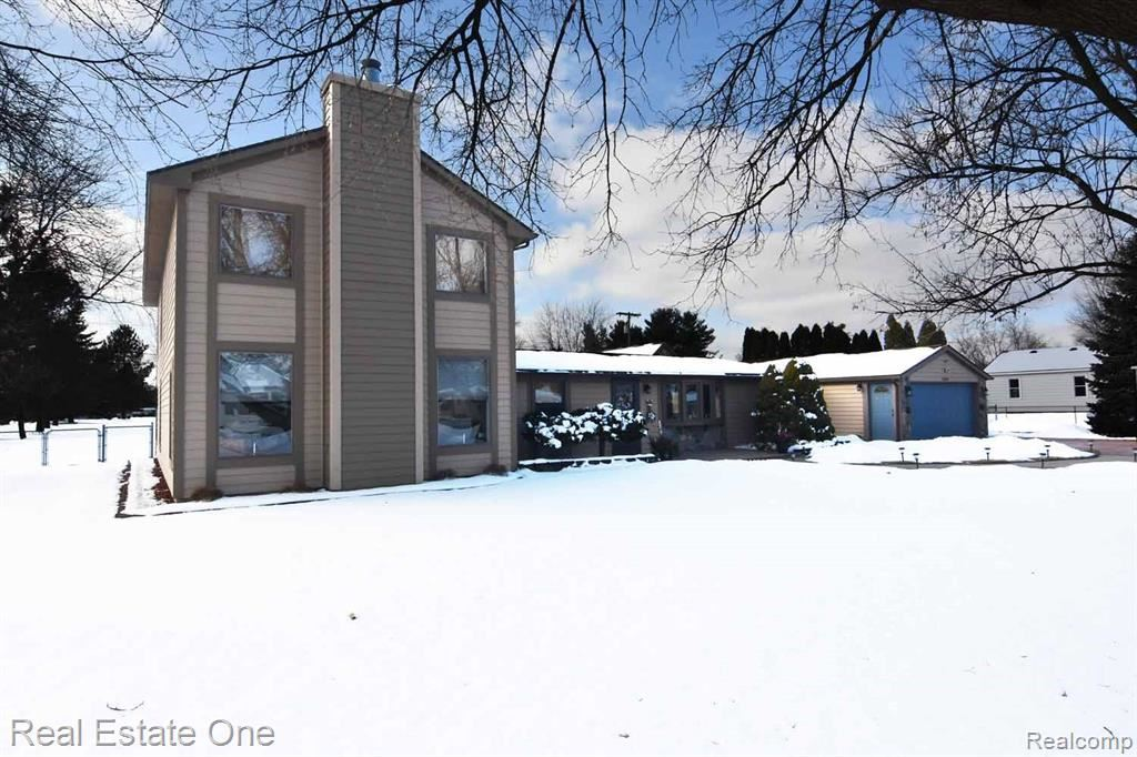 Photo for 5235 CECELIA ANN Avenue, Independence Township, MI 48346 (MLS # 2200011805)