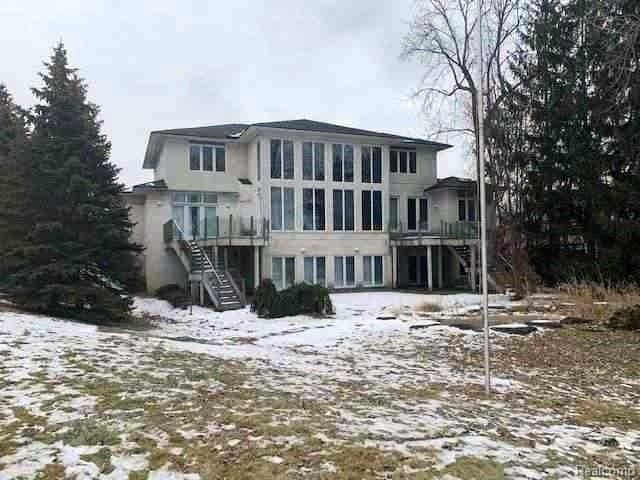Photo of 1289 FOREST BAY Drive, Waterford Township, MI 48328 (MLS # 2200019825)