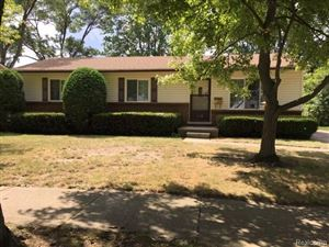 Photo of 100 S Highland, Mount Clemens, MI 48043 (MLS # 219080830)