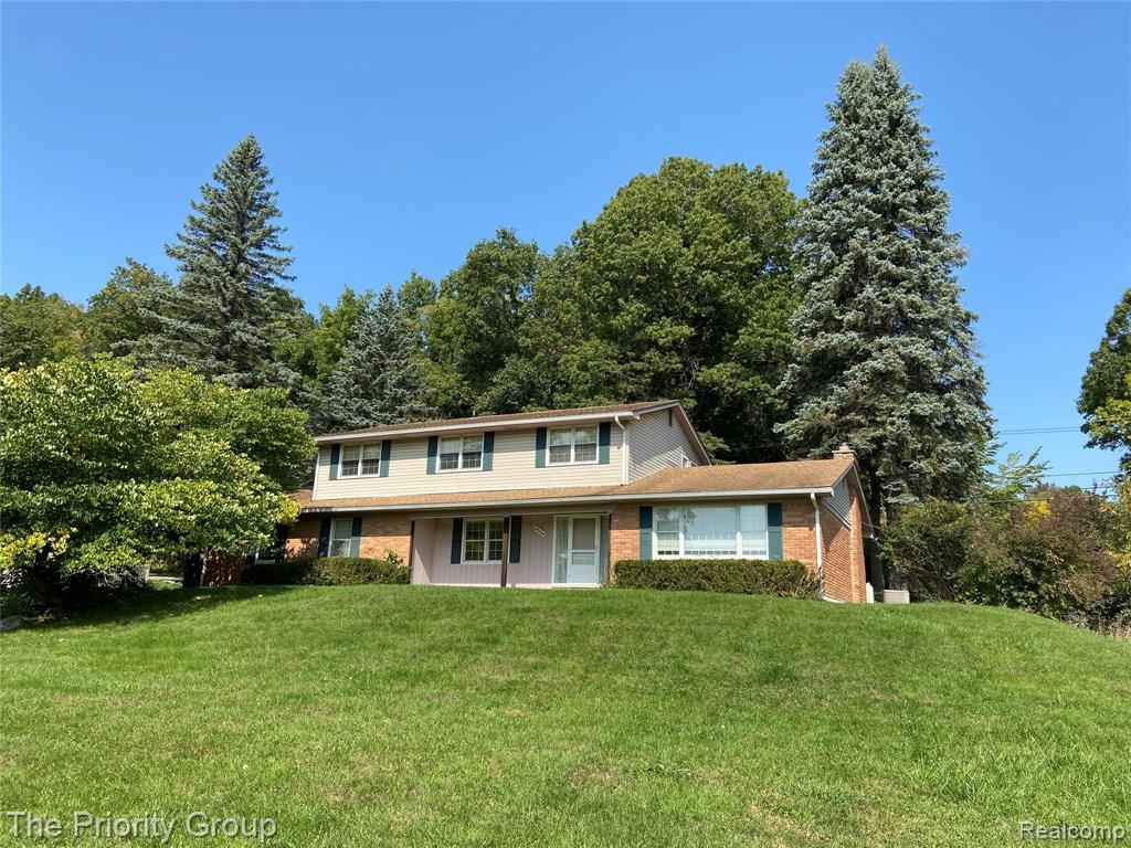 Photo for 6554 CRANBERRY LAKE Road, Independence Township, MI 48348 (MLS # 2200079832)