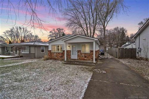 Photo of 8242 RUSSELL, SHELBY Township, MI 48317 (MLS # 58050003842)
