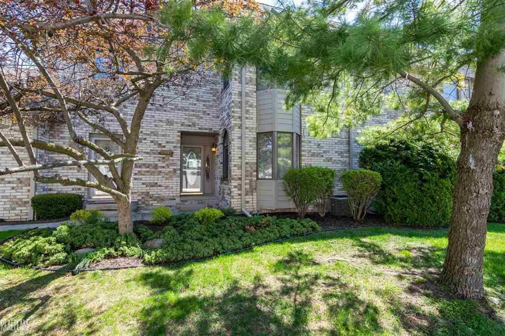 Photo of 50682 HARBOUR VIEW N #33, NEW BALTIMORE, MI 48047 (MLS # 58050006844)