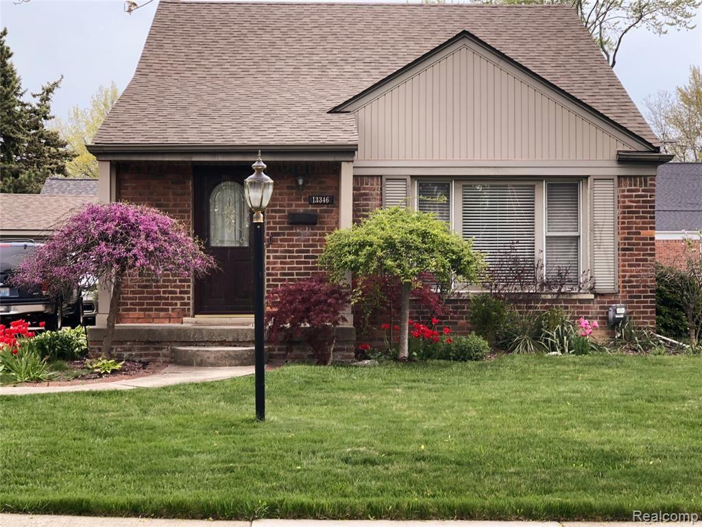 13346 HART Avenue, Huntington Woods, MI 48070 - MLS#: 2210039861