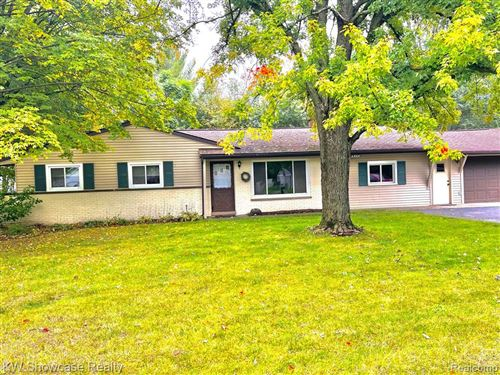 Photo of 6868 SNOW APPLE Drive, Independence Township, MI 48346 (MLS # 2210042866)