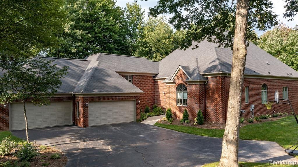 Photo for 5796 BELLSHIRE Lane, Independence Township, MI 48346 (MLS # 2210068866)