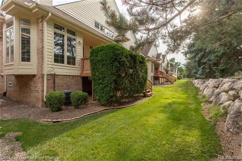 Tiny photo for 38130 N VISTA Drive, Livonia, MI 48152 (MLS # 2200057867)