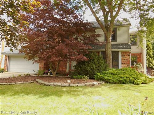 Photo of 1546 CHEVY CIRCUIT, Rochester Hills, MI 48306 (MLS # 2200060869)