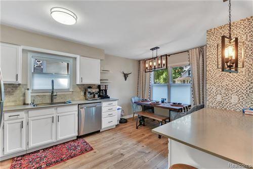 Tiny photo for 530 W MARSHALL Street, Ferndale, MI 48220 (MLS # 2200060871)