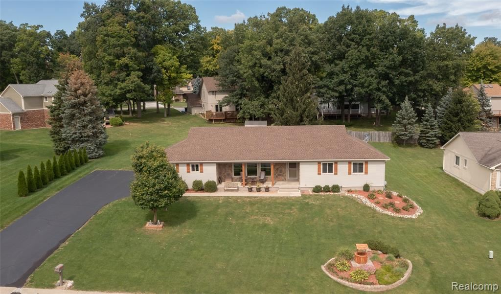 Photo for 6396 WOODCREST RDG, Independence Township, MI 48346 (MLS # 2210077873)