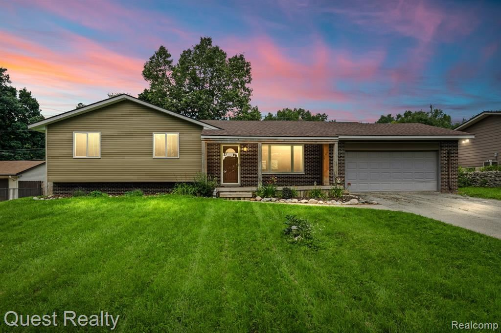 Photo for 9270 SEMINDALE, Springfield Township, MI 48346 (MLS # 2210058883)