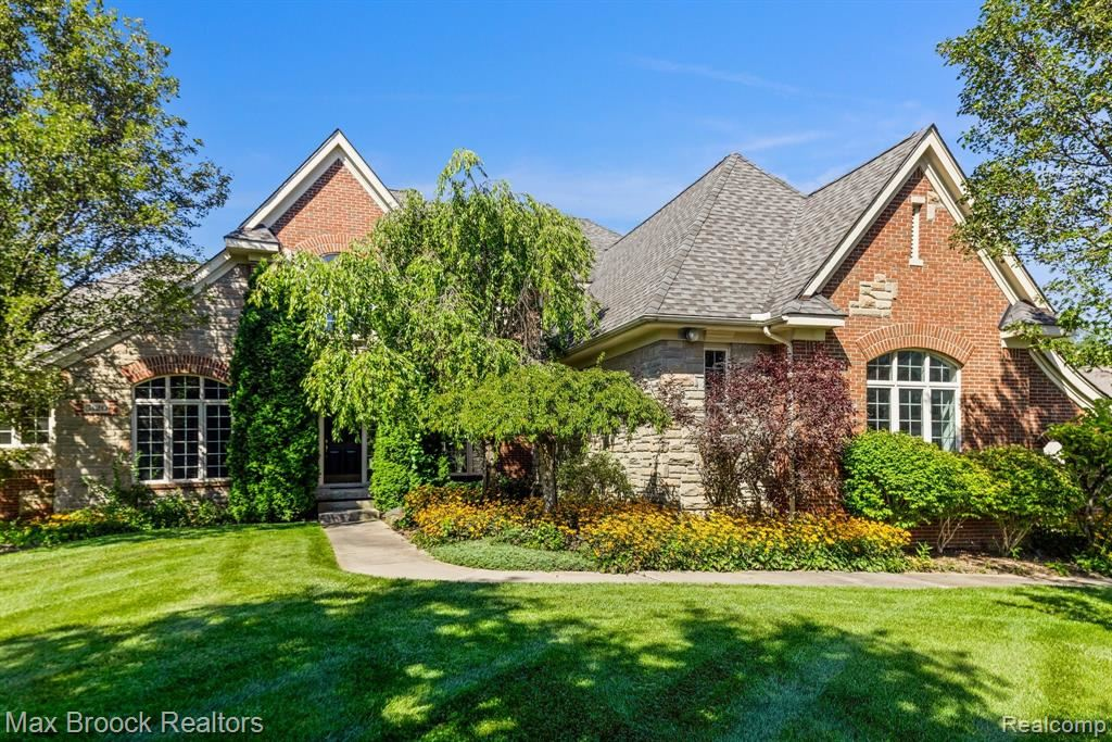 Photo for 5120 DORSETFIELD Court, Independence Township, MI 48348 (MLS # 2210074886)