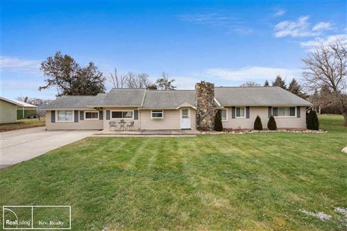 Photo of 55995 HAYES, SHELBY Township, MI 48315 (MLS # 58050003897)