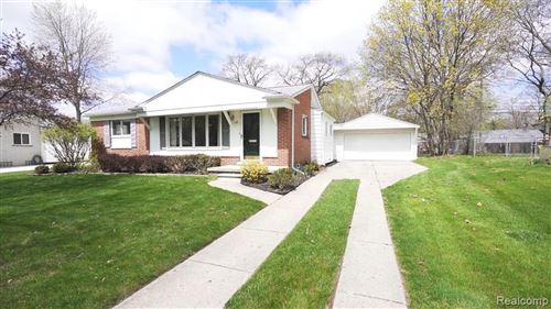 Photo of 258 N HILL Circle, Rochester, MI 48307 (MLS # 2200032919)