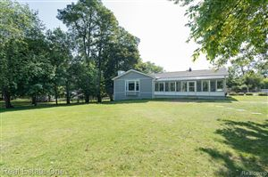 Photo of 5099 Eagle Lake Drive, Waterford Township, MI 48329 (MLS # 219092923)