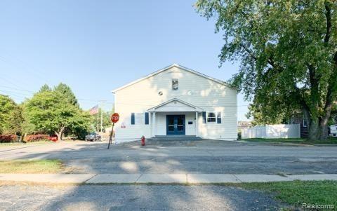 Photo of 44 BEEBE Street, Lake Orion Village, MI 48362 (MLS # 2200078929)
