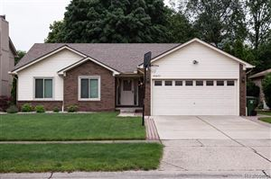 Photo of 46677 SPRINGHILL Drive, Shelby Township, MI 48317 (MLS # 219058934)